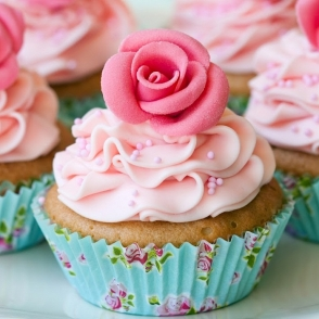 Külmkapimagnet Roosiga muffin
